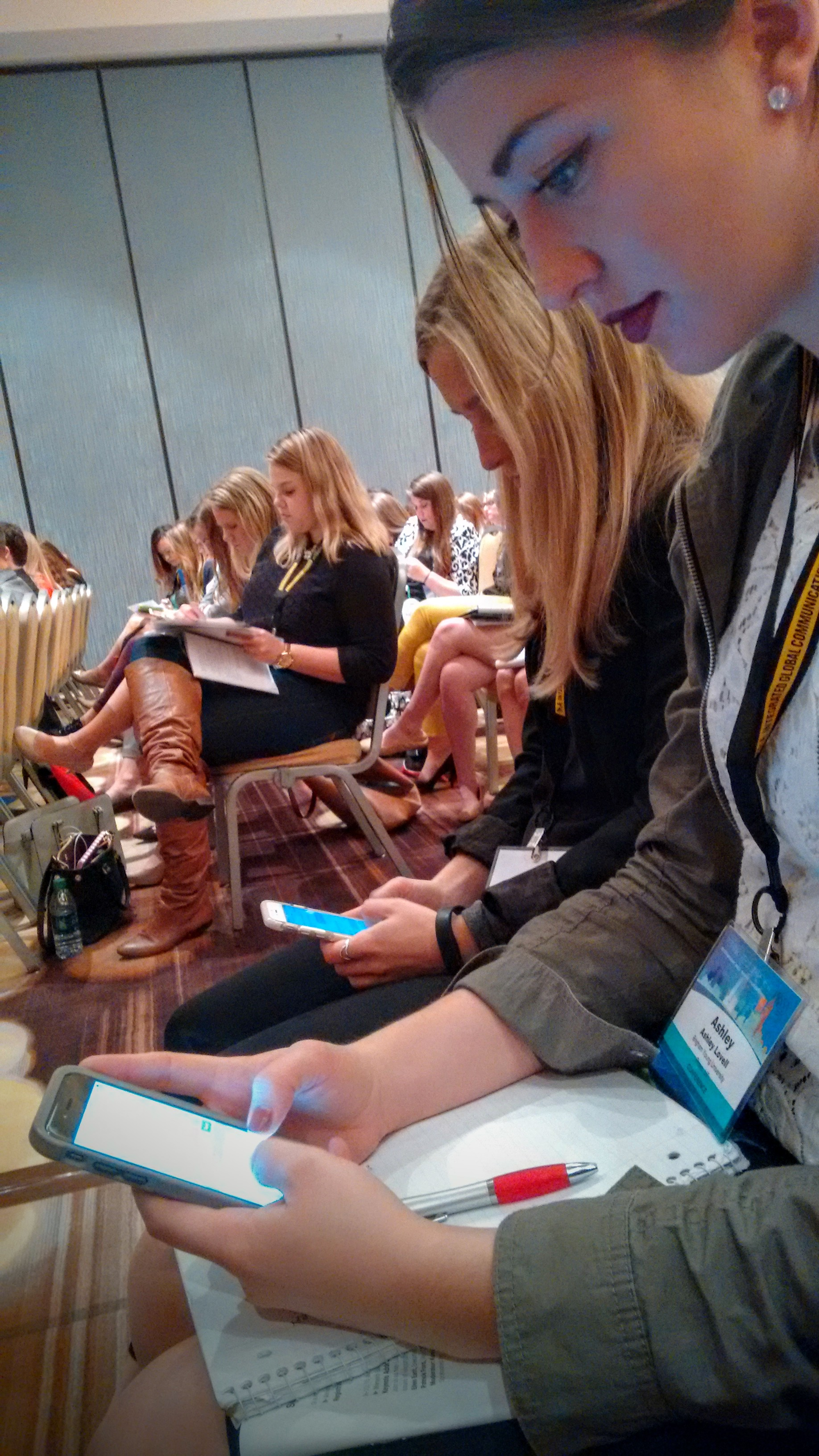 Students at the PRSSA national conference live tweet their favorite quotes from Shaw and Timms' session. (Brooke Tait)